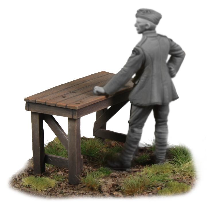 Kellerkind Miniaturen - Werkbank mit Schraubstock